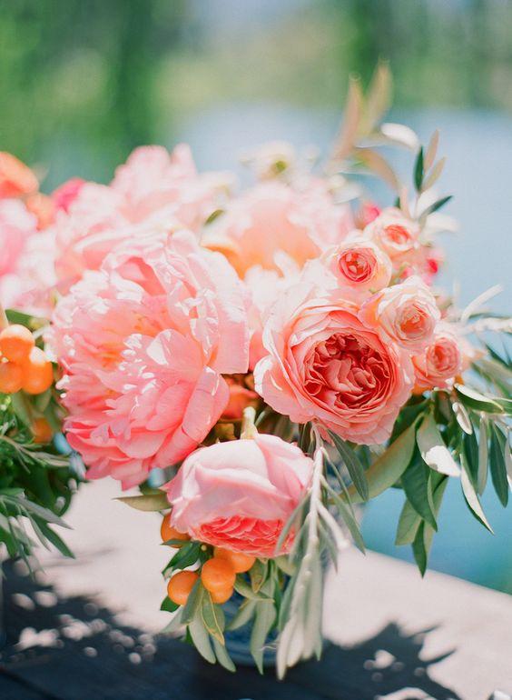 tu boda en galicia en Pazo de Cores, decora tu boda con el color pantone Living Coral